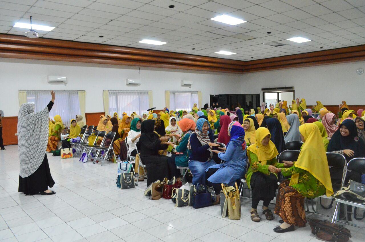 Seminar dan Workshop Peringatan Hari Ibu